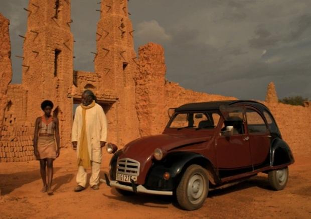 Still from the movie Soleils