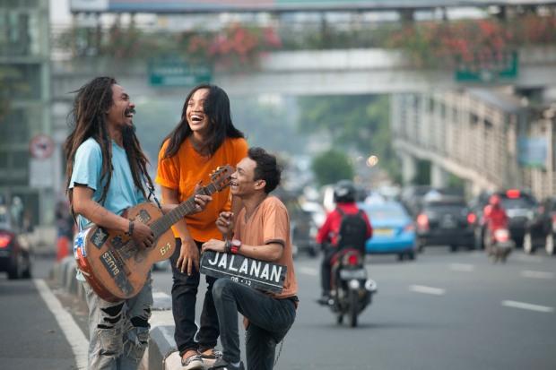 Still from the movie Jalanan